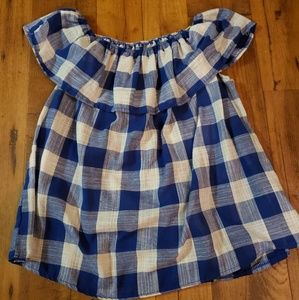 Sleeveless plaid ruffled top
